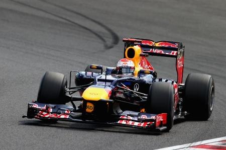 Sebastian Vettel consigue una pole position válida para luchar por el título