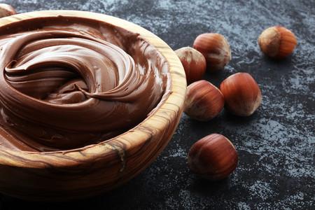 Cinco formas saludables de comer crema de avellana
