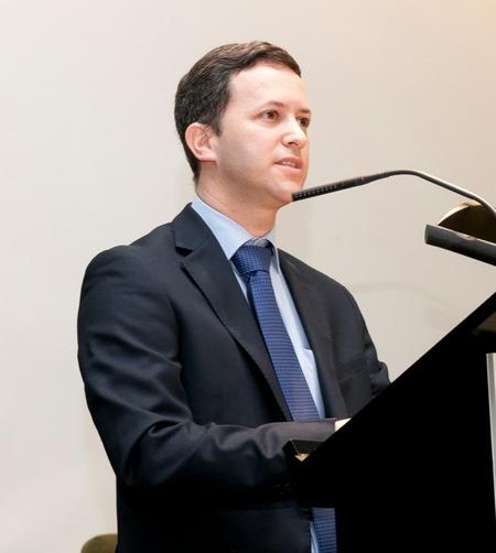 """Dr. Ignacio Sánchez-Carpintero, especialista en dermatología infantil: """"la edad para tratar los angiomas es muy importante"""""""