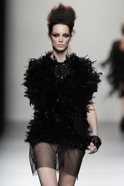 Foto de Juana Martín en la Cibeles Madrid Fashion Week Otoño-Invierno 2011/2012  (9/10)
