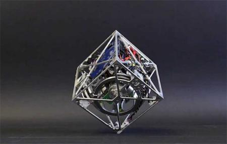 Cubli, un robot equilibrista con una curiosa forma cúbica