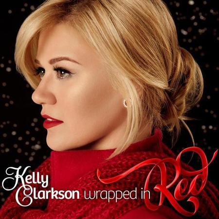 ¿Cantar villancicos en octubre? Para Kelly Clarkson es lo más normal