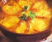 Sopa rústica de cebolla