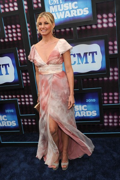Todas las celebrities en los CMT Music Awards: Faith Hil
