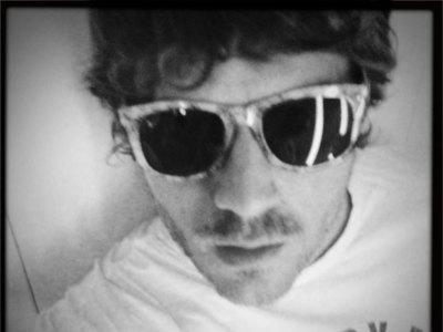 No seas loco y llévate las gafas de Opticalia diseñadas por Dani Martín