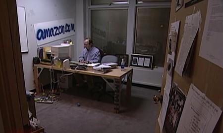 Recordar cómo eran en 1999 las oficinas de Amazon y el despacho de Jeff  Bezos es toda una experiencia 0308750f9b5