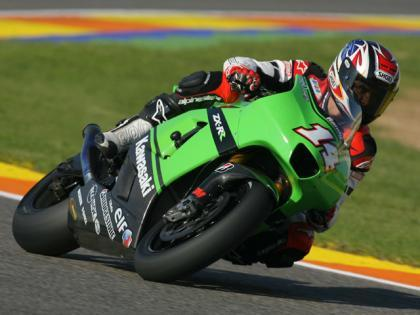 Álex Crivillé prueba la Kawasaki ZX-RR de Randy de Puniet