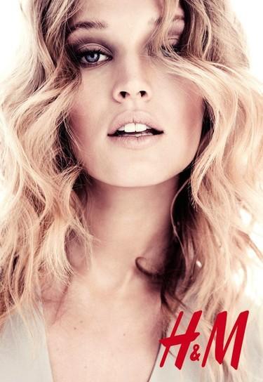 Toni Garrn es el nuevo rostro de H&M