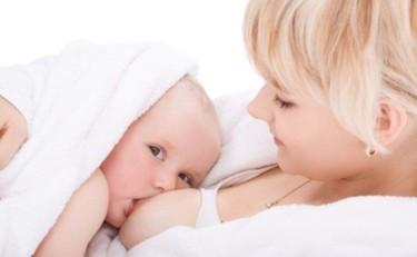 La lactancia podría beneficiar el rendimiento escolar