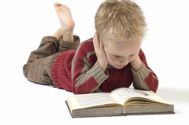 ¡A clase sin zapatos! Los niños que van descalzos aprenden más y mejor
