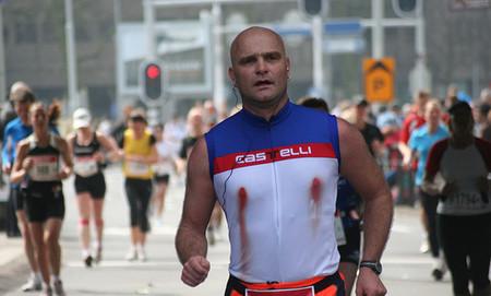 Los pezones sangrantes de los runners: así puedes protegerlos para que no sufras durante la carrera