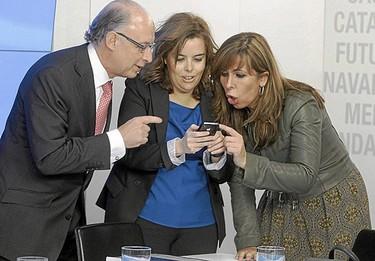 ¿Es un buen ejemplo la vuelta al trabajo de Soraya Sáenz de Santamaría?