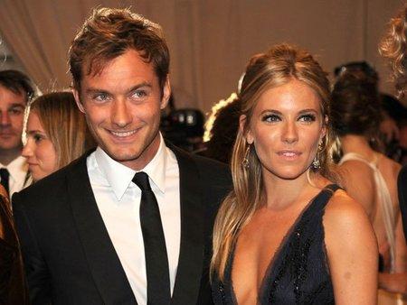 """¿Jude Law y Sienna Miller también se han """"casado""""? Vaya plaga"""