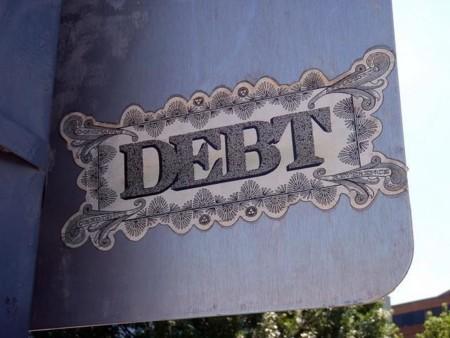 La morosidad de la banca vuelve a caer en abril