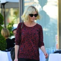 Copia el estilo relajado y sencillo de calle de Kirsten Dunst
