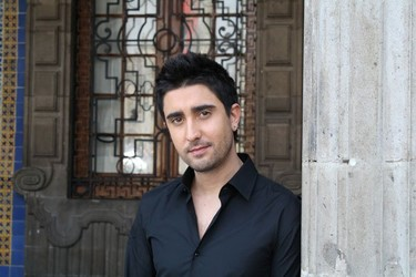 Álex Ubago y los tríos... musicales