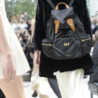 The Rucksack, la mochila (de Burberry) que está de moda entre las celebs