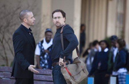 Guy Pearce y Nicolas Cage en una escena de la película