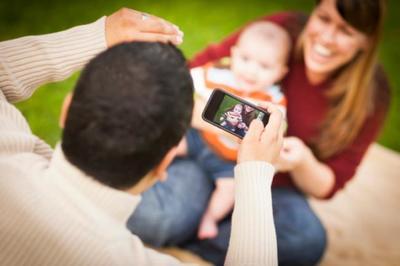 Tienes la herramienta para detectar un retinoblastoma en tu hijo: el flash de la cámara de fotos