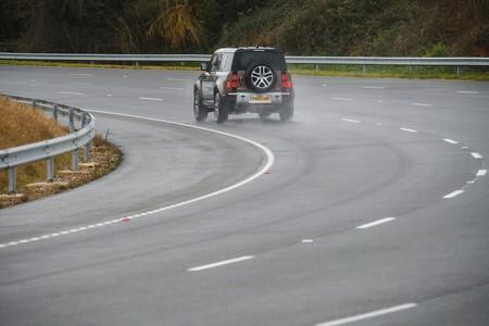 Land Rover Defender 2020 Toma Contacto 004