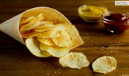 Cómo hacer patatas chips ligeras en 10 minutos, receta con vídeo incluido