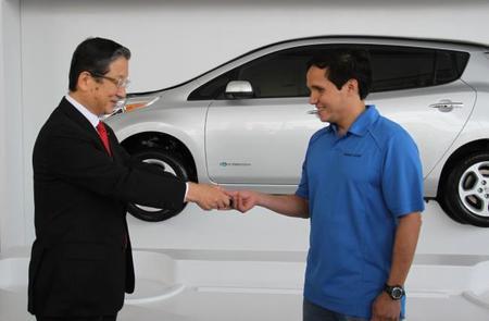 ¡Nissan Mexicana entrega su primer LEAF en México!
