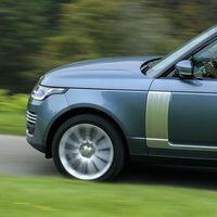¡Esto sí sería remar contra corriente! Land Rover podría estar pensando en crear un sedán de lujo
