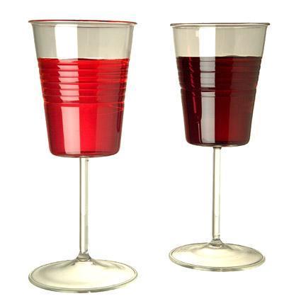 Copas de cristal inspiradas en los vasos plásticos