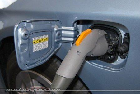 Toyota empezará a vender sus cargadores domésticos en 2012