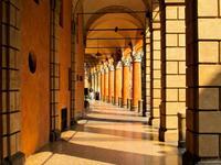 Bolonia, ciudad de pórticos infinitos