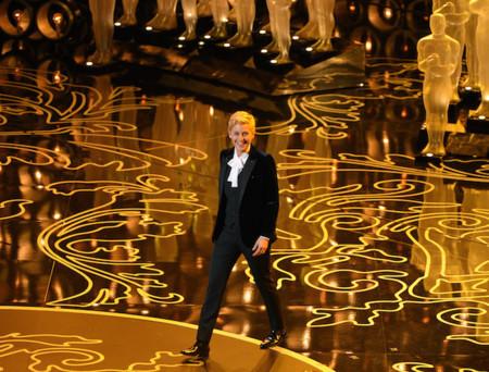 ¿Ser fiel a tu estilo y no parecer un payaso? Ellen Degeneres nos muestra cómo en los Oscar 2014