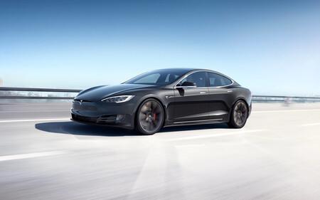 Tesla Model S Plaid rompe récord en Nurburgring y le quita el trono a Porsche Taycan Turbo