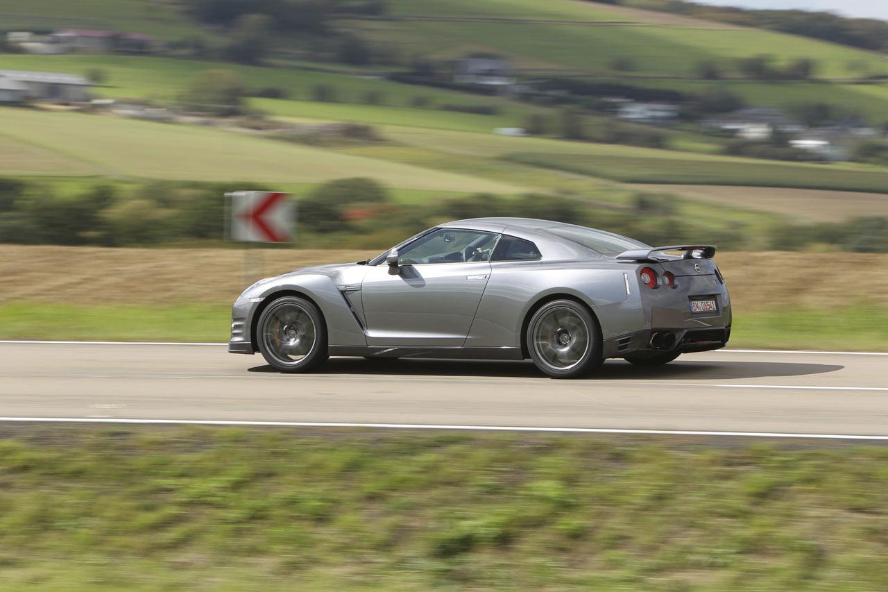 Foto de Nissan GT-R 2012 (13/63)