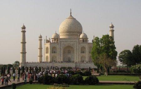 Apple pide manga ancha al gobierno de la India para poder abrir sus Apple Store