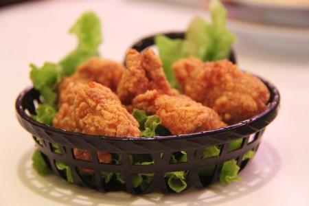 Cómo recalentar pollo frito