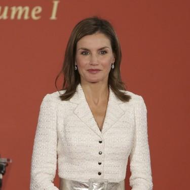 Chanel parece, Felipe Varela es. El nuevo vestido de la Reina Letizia juega al despiste