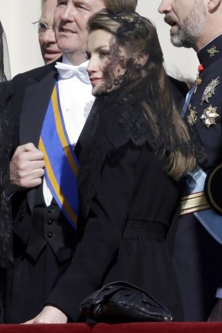 El look de Letizia en la entronización del Papa Francisco