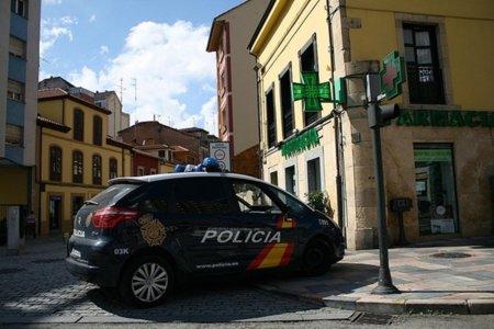 Un prestigioso escritor de Granada denuncia las redadas anti-piratería en su ciudad