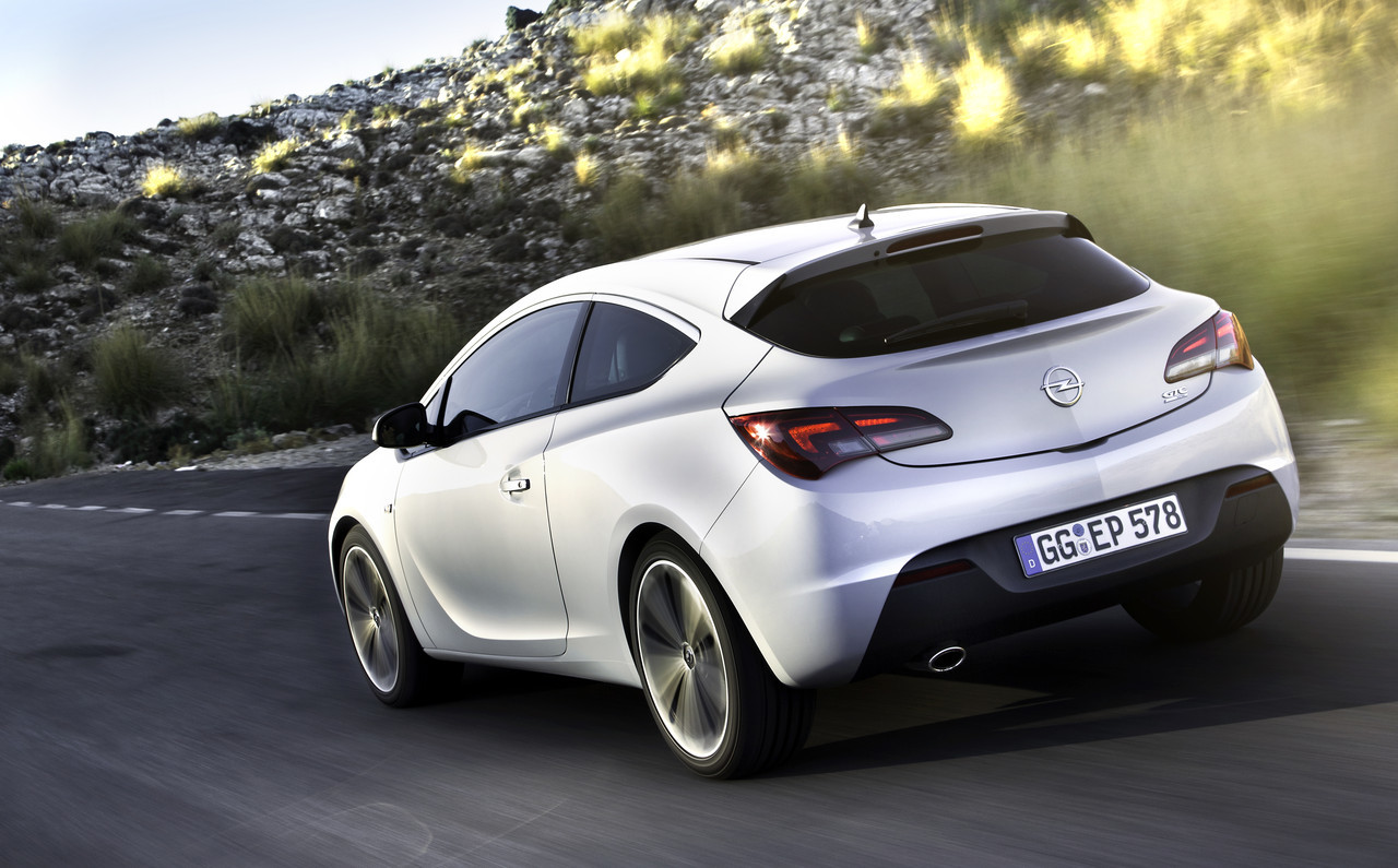Foto de Opel Astra GTC (54/90)