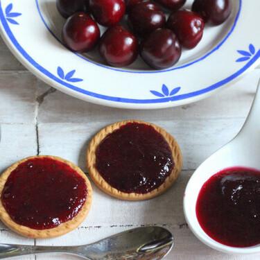Cómo hacer mermelada de picotas para tus desayunos y meriendas