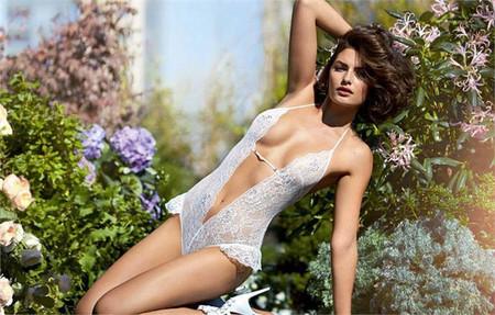 Alyssa Miller, de profesión seductora (en lencería)