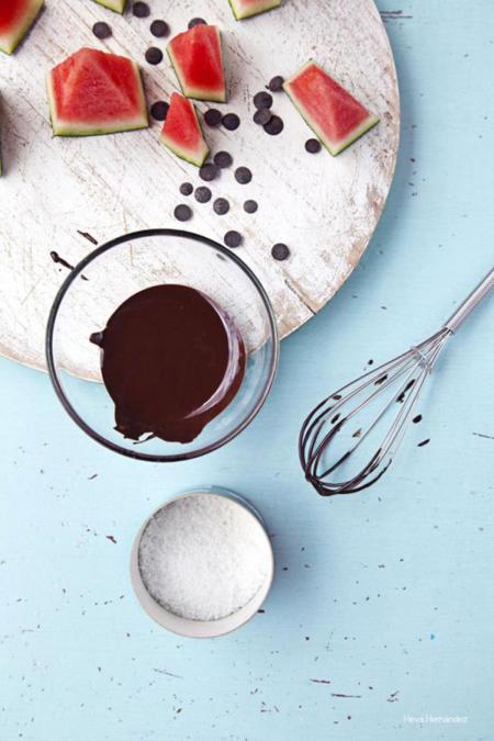 receta de barcos de sandía, chocolate negro y flor de sal