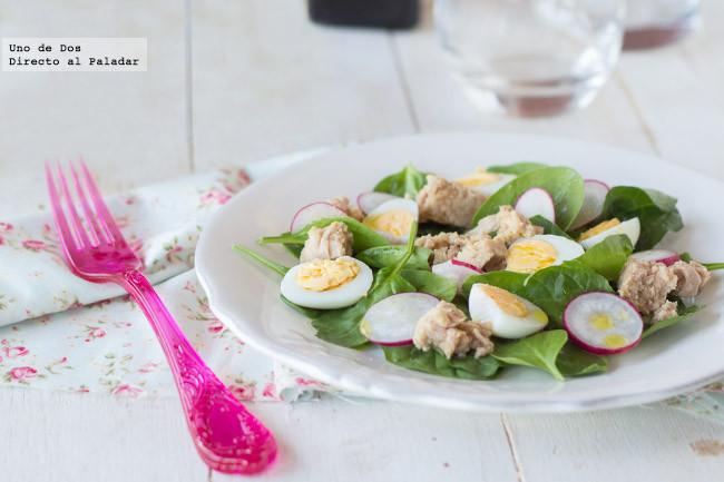 Receta de ensalada de espinacas, rabanitos y atún