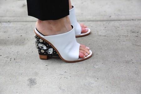 Antes muertos que sencillos. Mis pies aclaman las mules como zapato oficial de la temporada