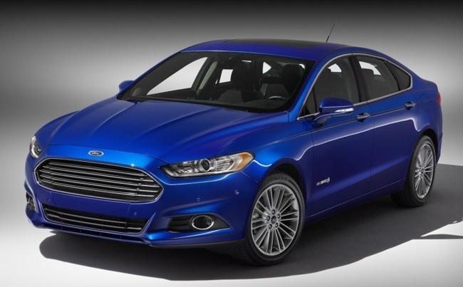 2013 Ford Fusion Hybrid 01