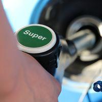 La gasolina está por las nubes: todo lo que sabemos sobre el alza de los precios del petróleo