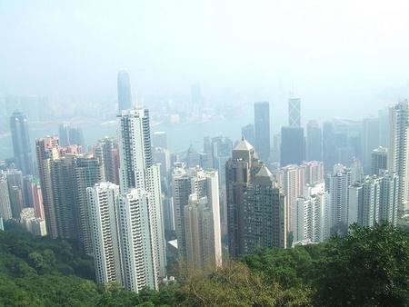 Hong Kong se enfrenta a la contaminación: se limitará el acceso a los vehículos diésel viejos