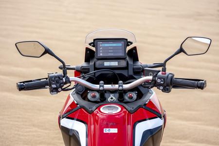Este simulador enseña a enfrentarse a las infinitas opciones de la electrónica de la Honda CRF1100L Africa Twin