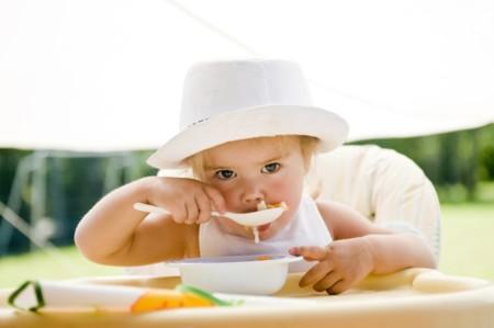 Una alimentación sana y una buena hidratación: así combaten los más pequeños el calor