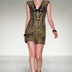 Foto 10 de 43 de la galería moschino-primavera-verano-2012 en Trendencias
